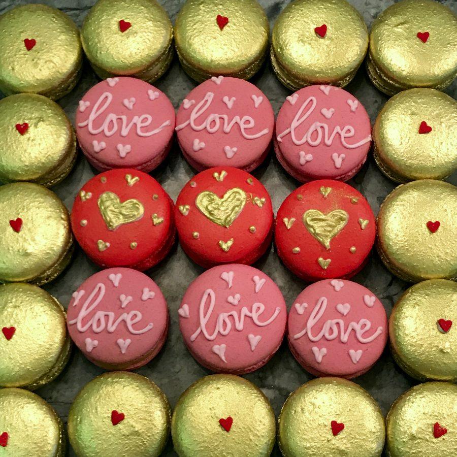 LOVE & MACARONS